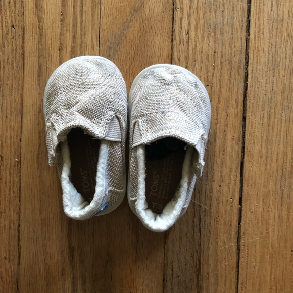 Toms Other - Baby toms slip on size t3